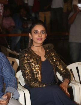 Rakul Preet Singh at Dhruva Movie Trailer Launch