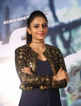 Rakul Preet Singh at Dhruva Movie Trailer Launch