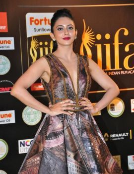 Rakul Preet Singh Photos at IIFA Utsavam Awards 2016 Day 2