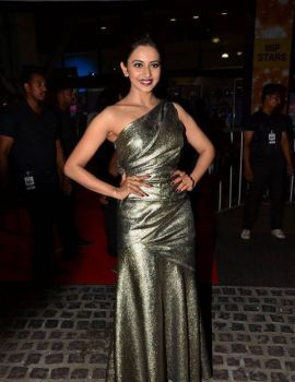 Rakul Preet Singh Stills At 64th Filmfare Awards 2017