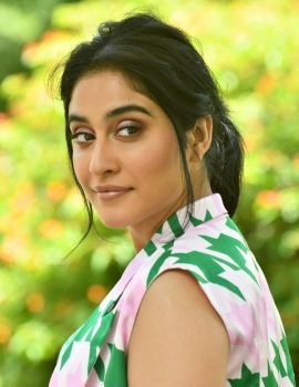 Regina Cassandra Stills at Evaru Press Meet