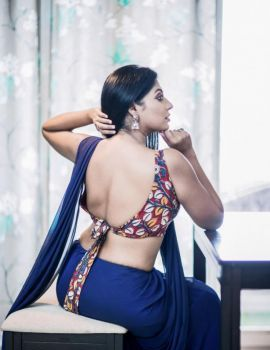 Tamil Actress Reshma Pasupuleti Photos in Saree