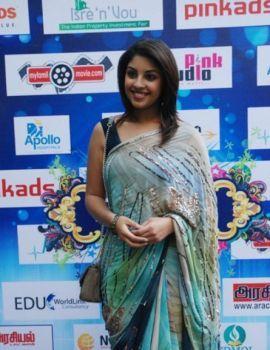 Richa Gangopadhyay in Saree at Tamil Edision Awards