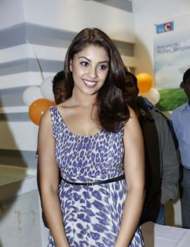 Richa Gangopadhyay Photos at BigC Mobiles Store launch