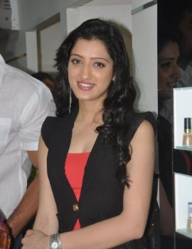 Richa Panai at Naturals Hair & Beauty Salon Launch