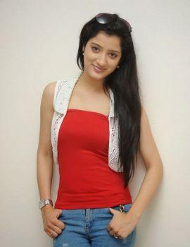 Richa Panai Photos in Jeans at Chandamama Kathalu Movie Press Meet