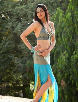 Telugu Actress Sakshi Chaudhary Stills from Potugadu Movie