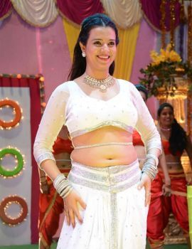 Telugu Actress Saloni Aswani Movie Item Song Shoot in White Dress