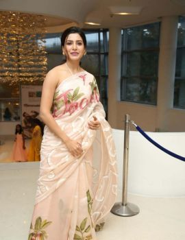 Samantha Akkineni Stills at Jaanu Thank You Meet