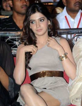 Samantha at Lux Sandal Cinemaa Awards 2011