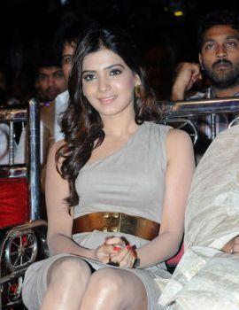 Samantha at Lux Sandal Cinemaa Awards 2011