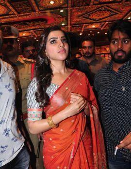 Samantha at Somajiguda South India Shopping Mall Launch