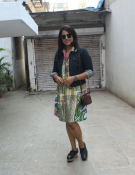 Sameera Reddy spotted at Bandra, Mumbai