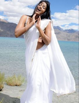 Sameera Reddy Stills in White Saree
