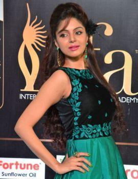 Actress Sanam Shetty Photos at IIFA Awards 2017 Green Carpet
