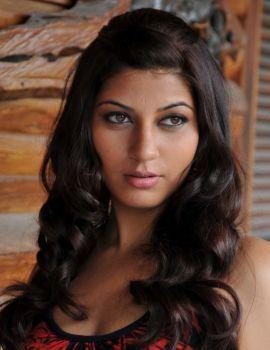 Disco Heroine Sarah Sharma Latest Spicy Photoshoot Stills