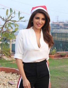 Shama Sikander at  2017 Pre Christmas Eve Interview