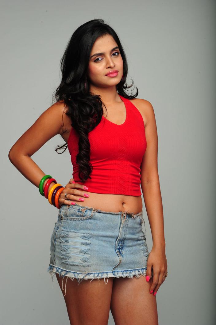 Sheena Shahabadi Hot Photoshoot