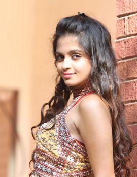 Sheena Shahabadi Latest Photoshoot in Jeans