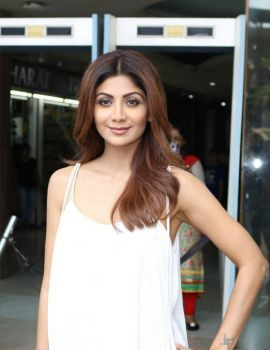 Shilpa Shetty at Shelar Make Up Academy Inauguration