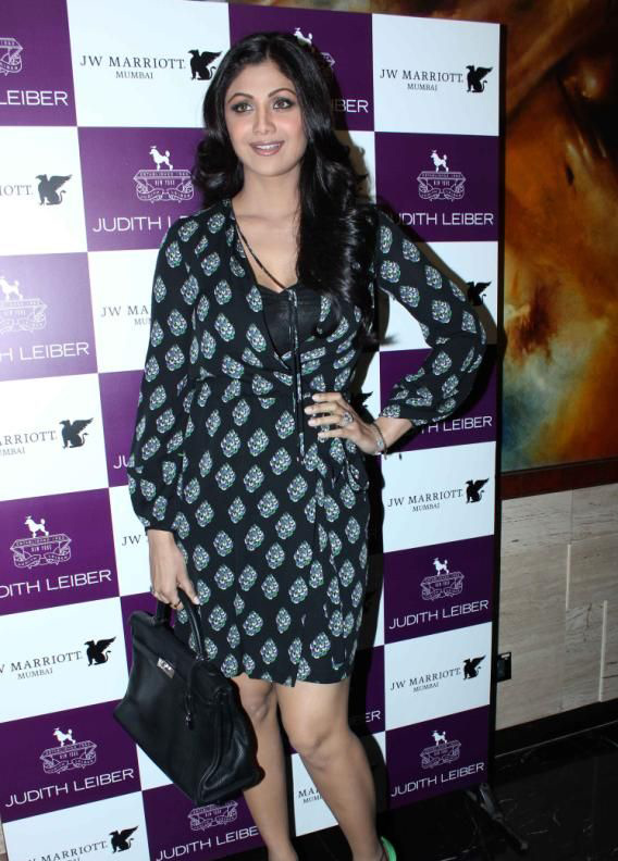 Shilpa Shetty at the launch of Overture handbags by Judith Leiber