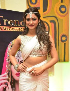 Shilpi Sharma Photos at Trendz Vivah Collection Exhibition Launch