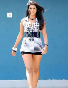 Shraddha Das Hot Thigh Stills from Aarya 2