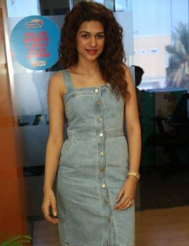Shraddha Das Stills at Guntur Talkies Promo Song Launch at Radio City