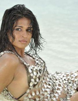 Shradha Das Unseen Spicy Bikini Photos