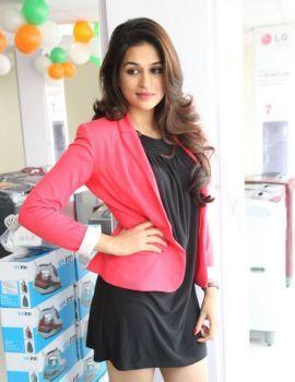 Telugu Actress Shraddha Das Rey Movie Stills