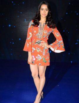Shraddha Kapoor at Indian Idol Season 9 for Ok Jaanu Promotions