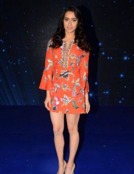 Shraddha Kapoor at Indian Idol Season 9 for Ok Jaanu Promotions