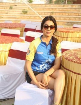 Shriya Saran at Prelude of Infinity Ride 2016