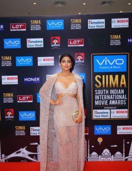 Shriya Saran at SIIMA Awards 2017