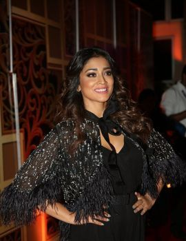 Shriya Saran in Black Dress at Zee Telugu Kutumbam Awards 2019 Red Carpet