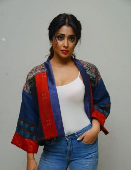 Shriya Saran Stills at Raja Vaaru Rani Gaaru Press Meet