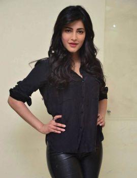 Shruti Haasan Photos at Premam Movie Interview