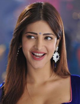 Shruti Haasan Spicy Stills from Yevadu