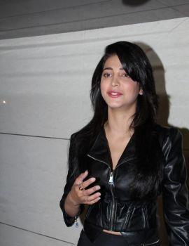 Shruti Haasan Stills at Harry Bar and Cafe Store Launch