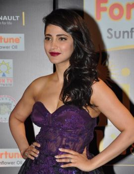 Tamil Actress Shruti Haasan Photos from IIFA Utsavam