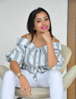 Shweta Basu Prasad Photoshoot Stills in White Jeans