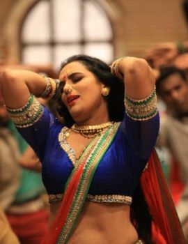 Shweta Menon Kalimannu Item Song Stills
