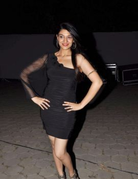 Siya Gautham in Black Dress at Epicurus Hospitality Awards 2011