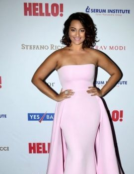 Sonakshi Sinha at Hall of Fame Awards 2014
