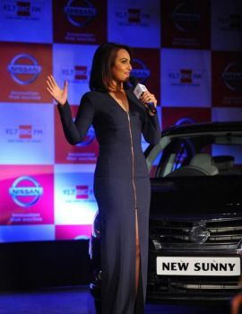 Sonakshi Sinha at Nissan Sunny Sedan & 92.7 Big FM Event