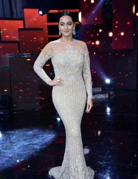 Sonakshi Sinha On The Sets Of Star Plus Dance Reality Show Nach Baliye Season 8 in Mumbai