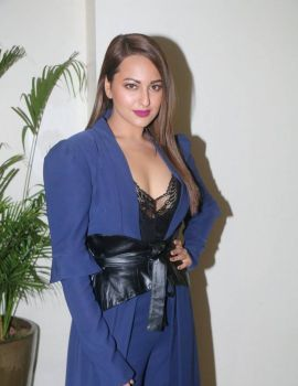 Sonakshi Sinha Photos at Ittefaq Movie Press Conference