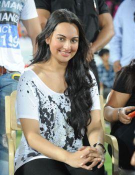 Sonakshi Sinha Stills at CCL T20 Final