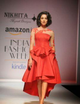 Sonal Chauhan Walks Ramp for Nikhita at Amazon India Fashion Week 2015