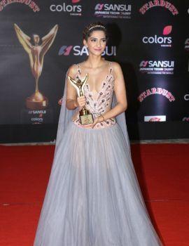 Sonam Kapoor at Sansui Colors Stardust Awards 2016